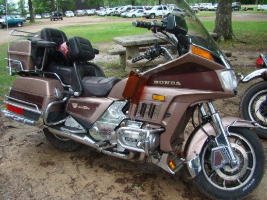 1986 HONDA GL1200 GOLDWING MOTORCYCLE