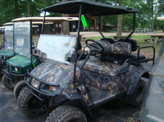 ELECTRIC E Z GO CAMO UTILITY CART