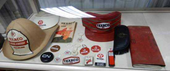 LARGE ASSORTMENT OF TEXACO ITEMS