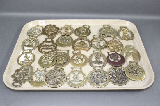 TRAY OF HORSE BRASS, THISTLE PATTERN ETC