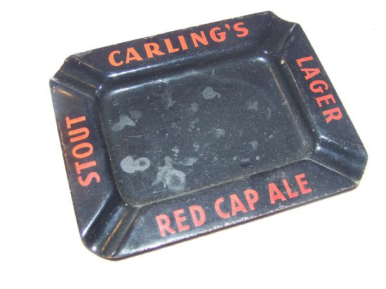 """CARLING'S STOUT, LAGER & RED CAP ALE PORC. ASHTRAY 6"""" X5"""""""