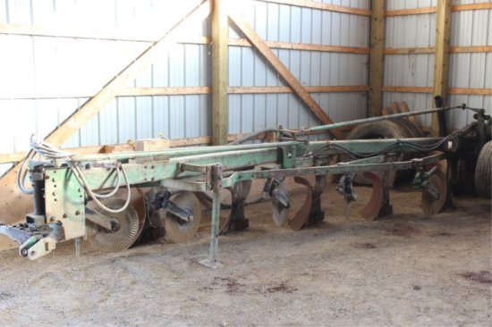 JOHN DEERE 1350-1450 5F SEMI MOUNT PLOW ONLY DONE 100 ACRES SINCE REBUILD