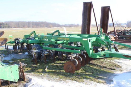 08 JOHN DEERE 2700 16' 7 SHANK RIPPER DONE LESS THAN 1000 ACRES