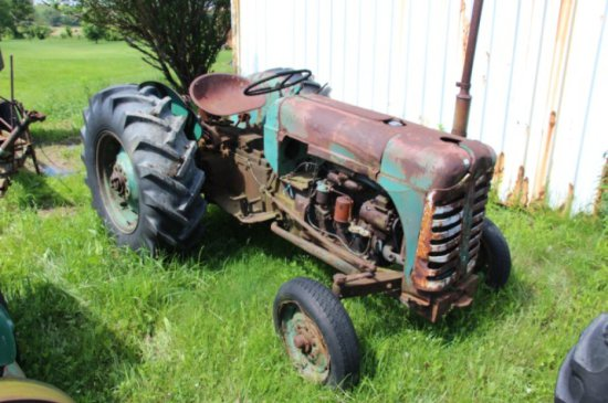 OLIVER SUPER 55 DIESEL TRACTOR - PARTS ONLY