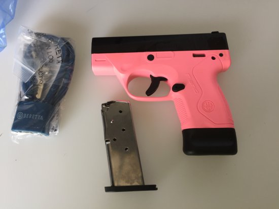 Beretta Nano Pink 9x19 w/extra mag