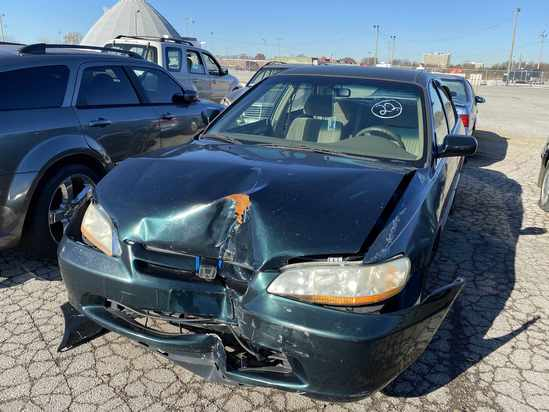 1998 Honda Accord with Bill of Sale Tow# 94562 Item 22