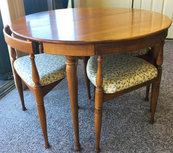 Mid Century Roundette Table & 4 Chairs