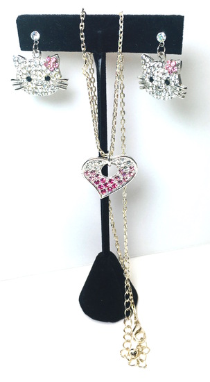"Crystal Hello Kitty & 15""  Pink Crystal Heart in Silver Tone Neckless"