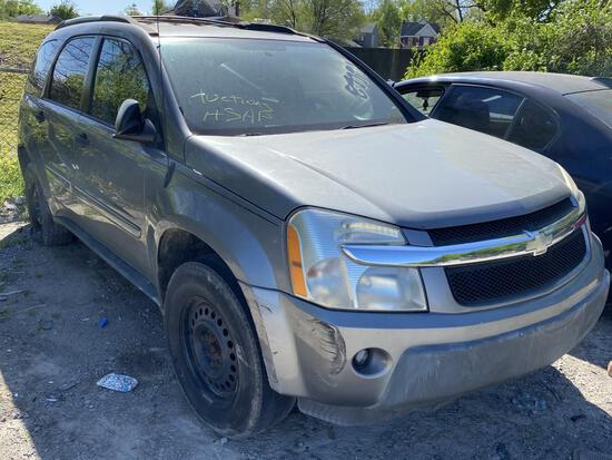 2005 Chevy Equinox Silver Tow# 89791
