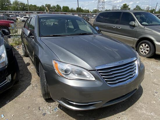 2013 Chrysler 200 Sedan Tow#?