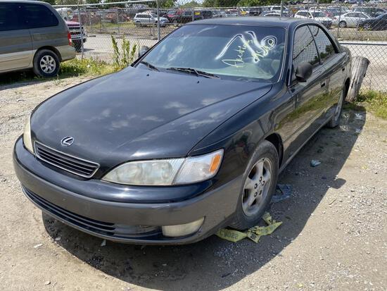 1999 Lexus ES300 Tow# 73438
