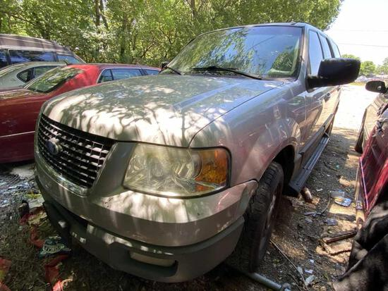2003  FORD  EXPEDITION   Tow# 100589