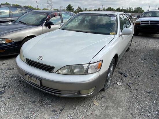 1999  LEXUS  ES300   Tow# 100238