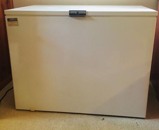 White-Westinghouse Deluxe Freezer