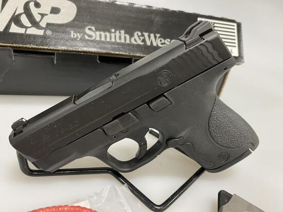 Smith & Wesson M&P Shield 40 Night Sights STD New