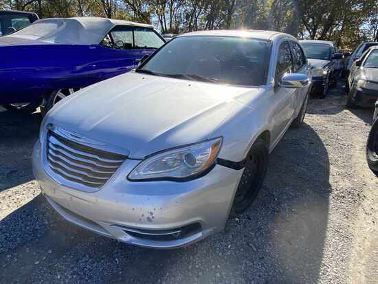 2012  CHRYSLER  200   Tow# 102025