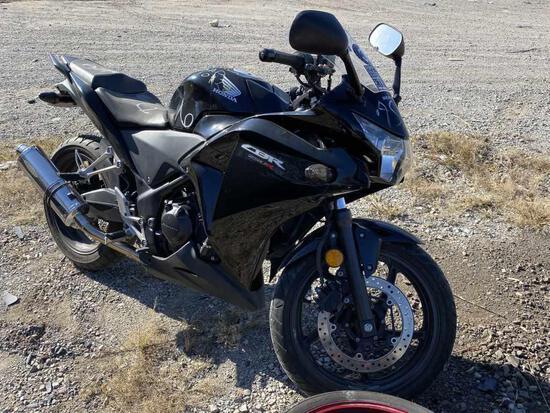 HONDA CBR 250R Motorcycle Tow#?