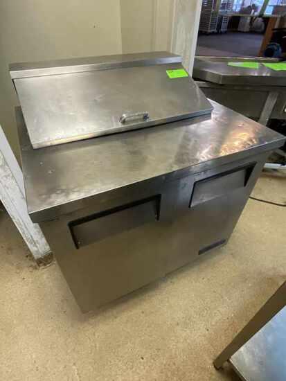 True TSSU-36-08 Pizza Prep Refrigerated Table