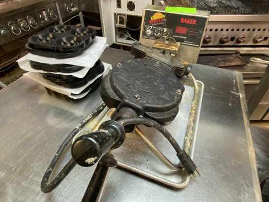 BAKER Golden Malted Waffle Maker w/New Molds