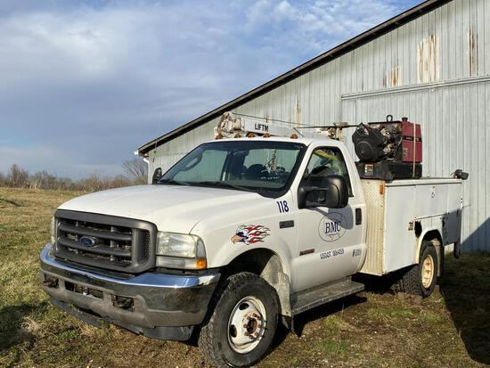 2004 Ford F-350 Work Truck 4x4 Manual Trans