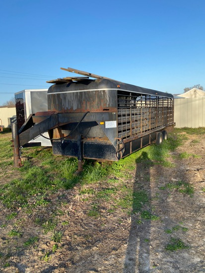 Large Gooseneck Horse Trailer
