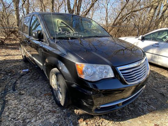 2013  CHRYSLER  TOWN & COUNTRY   Tow# 105051