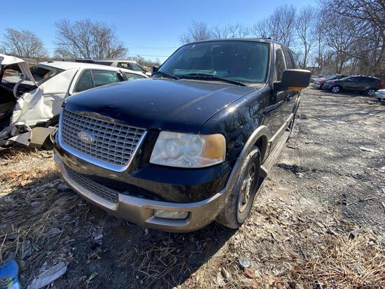 2004 Ford Explorer Tow#105626
