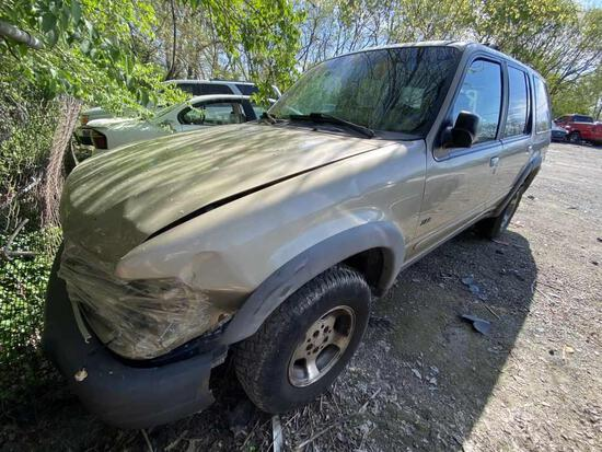1999  FORD  EXPLORER   Tow# 106695