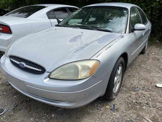 2001  FORD  TAURUS   Tow# 107402
