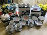 Tulipano Capri dinnerware set including sugar creamer butter dish mixing bowls & more