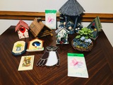 Collection of bird houses hanging plaques Stain glass style owl bird nest thank you notes