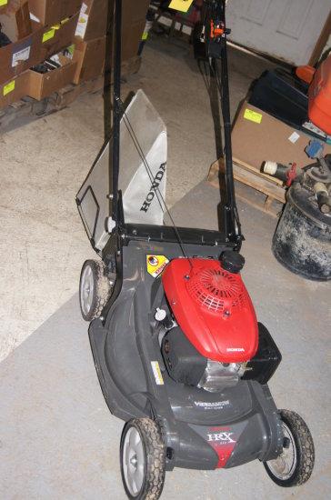 Honda Self Propelled Mower HRX 217 w/Bag
