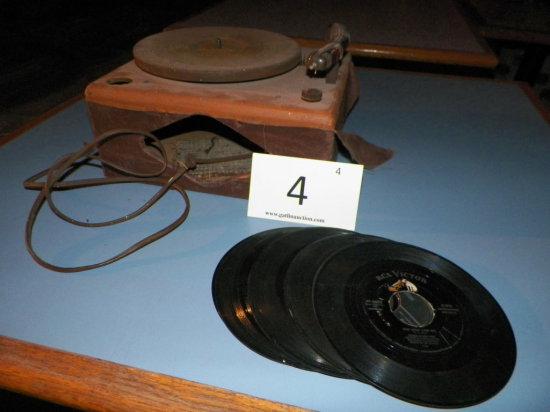 Travler Karenola Radi Model 7000 Phonograph