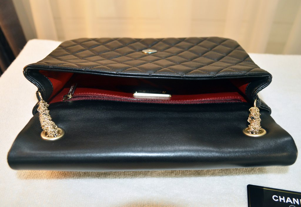 89f27a808808 ... Chanel Medium Westminster Flap Bag with Pearls ...