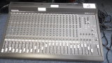 MACKIE SERIES SR 24.4-VLZ PRO MIXING CONSOLE