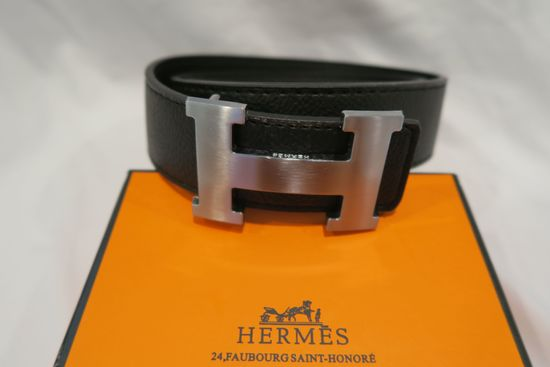 Hermes H Belt Buckle with black leather strap, in Hermes Box