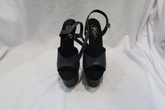 Black Platform Sandals, size 7