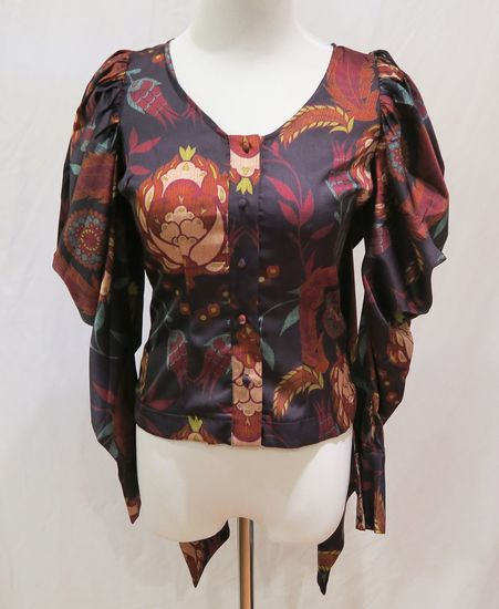 Bebe Floral Print Drape Sleeve Blouse, size 00, new with tags