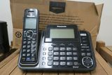 Panasonic 2-Line Phone with 4 Handsets