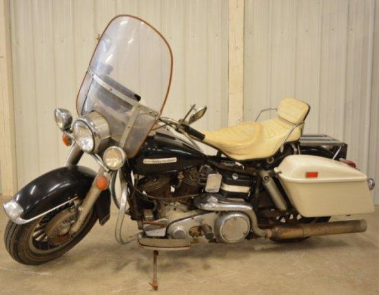 1975 Harley Davidson FLH 1200 Motorcycle Barn Find