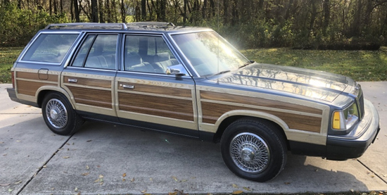 1986 Chrysler Town & Country Woodie Wagon