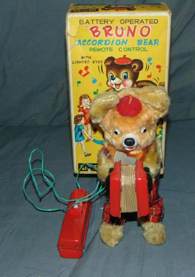 Battery Operated Bruno Accordion Bear.