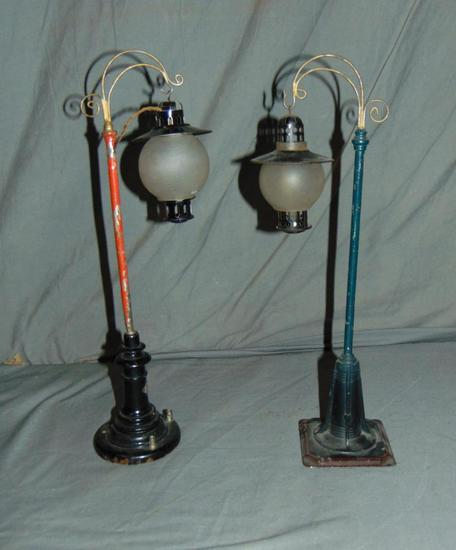 2 Bing Globed Lamposts