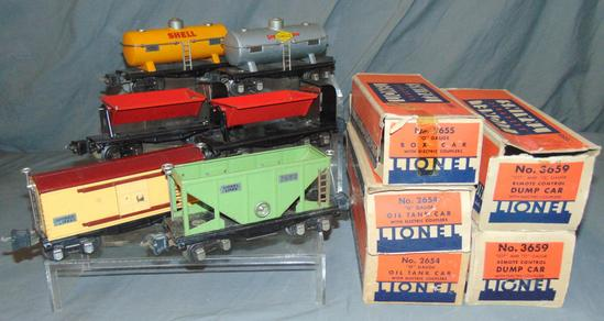 6 Lionel Freight Cars, 5 Boxed
