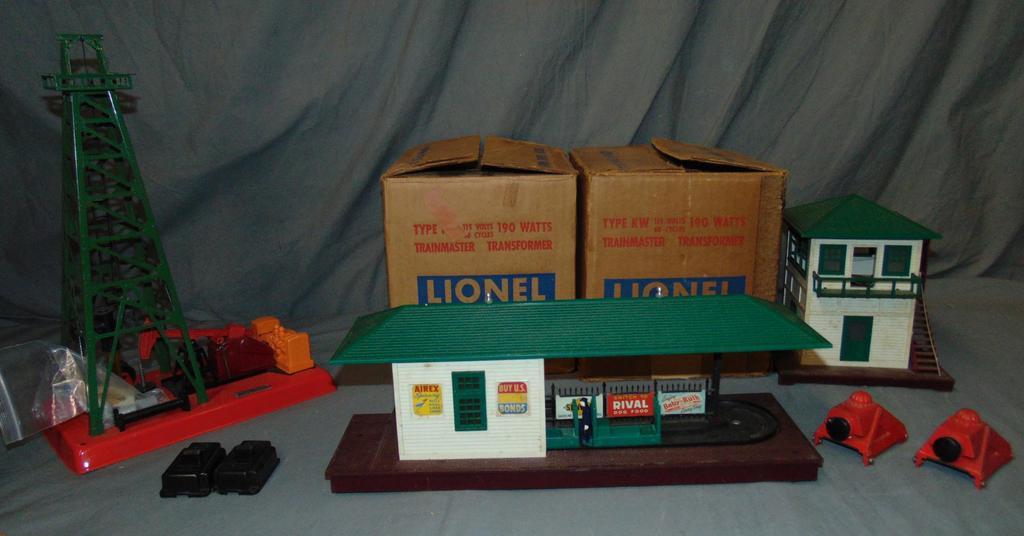 7 Lionel Accessories