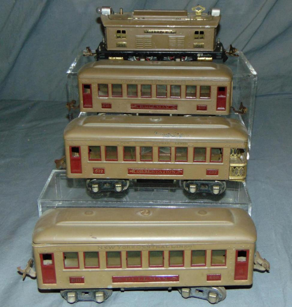 Early Lionel 253 Passenger Set(96)
