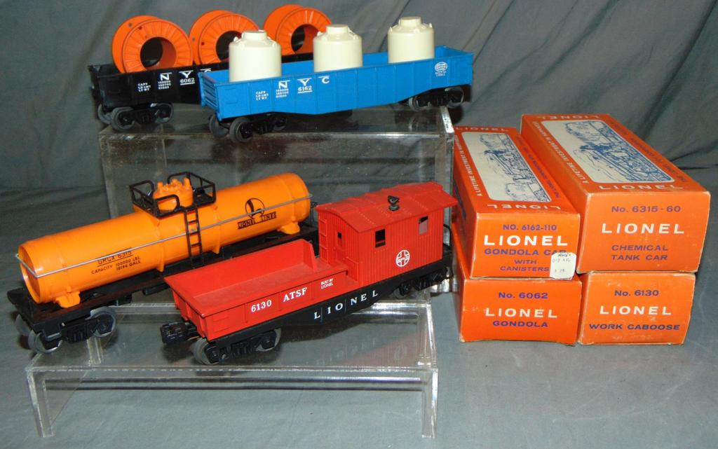 4 MINT Boxed Lionel Late Freight Cars