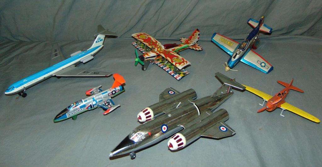 Box Lot of Assorted Toy Airplanes