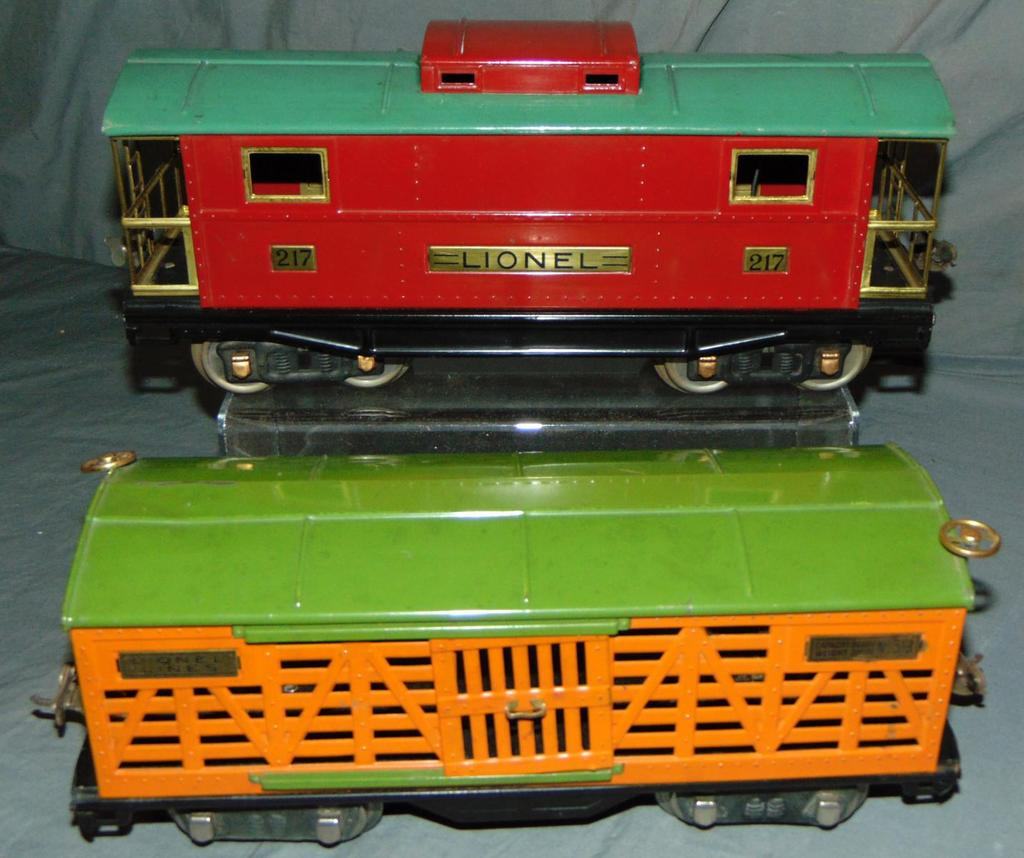 Clean Lionel 217 & 513 Freight Cars