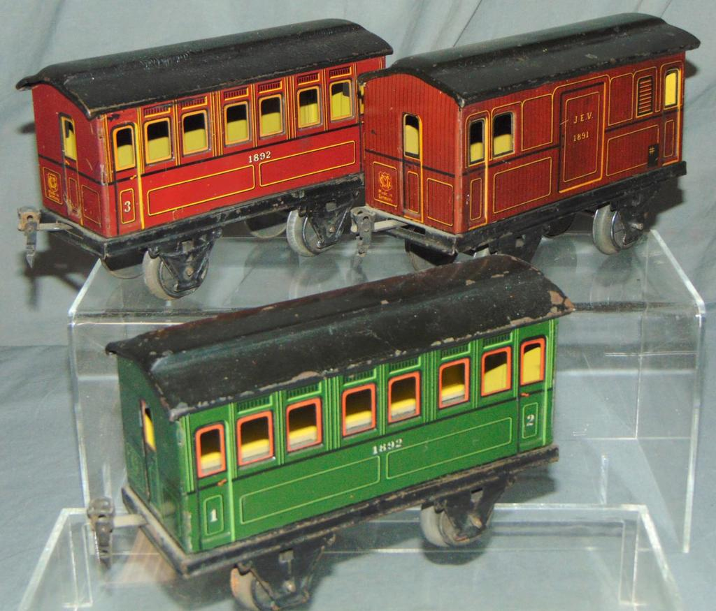 3 Ga 1 Marklin Passenger Cars